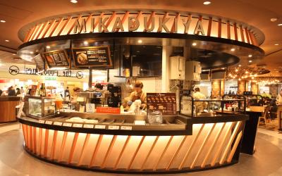 三日月屋 CAFE 福岡空港店